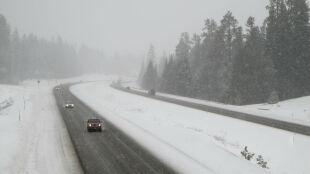 Lokalne opady śniegu. Intensywne na północnym wschodzie, słabsze na południu